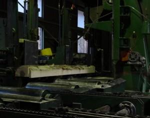 超ハイスペックな糸鋸みたいな機械。すごい!