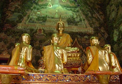 仏陀と仏弟子像(プラ・パトム・チェディ@ナコーンパトム)