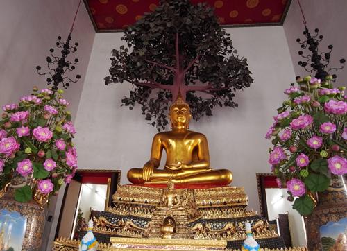 菩提樹下の仏陀@ワット・ポー(バンコク)