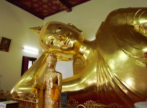 仏陀@プラ・パトム・チェディ@ナコーンパトム:タイ