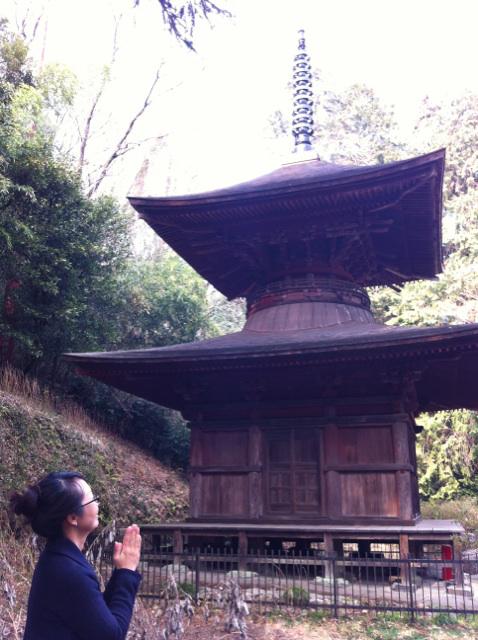 かなさな神社の塔